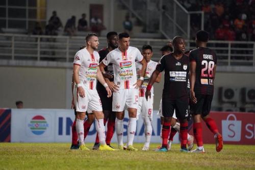 Persipura Jayapura vs Persija Jakarta di pertemuan pertama (Foto: Persija Jakarta)