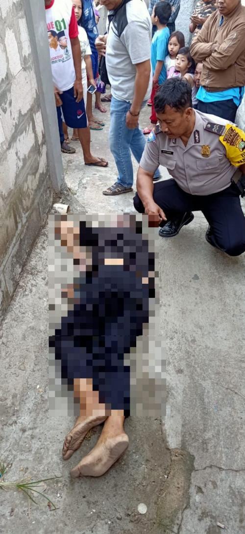 Mayat Lelaki Tanpa Identitas Hebohkan Warga Pancoran Mas, Depok, Jawa Barat (foto: Okezone/Wahyu M)