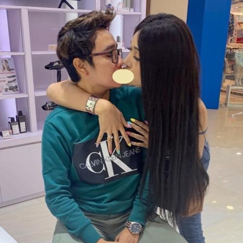 Lucinta Luna pamer foto cium sang kekasih di Instagram. (Foto: Instagram/@lucintaluna)