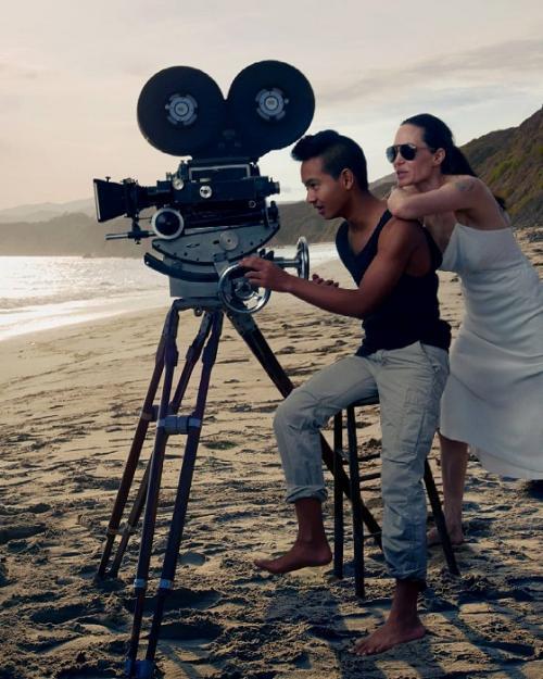 Maddox Jolie Pitt akhirnya buka suara tentang hubungannya dengan Brad Pitt. (Foto: Instagram/@angelina.jolie.voight0406)