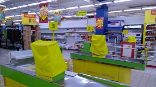 Giant Point Square diisukan Tutup