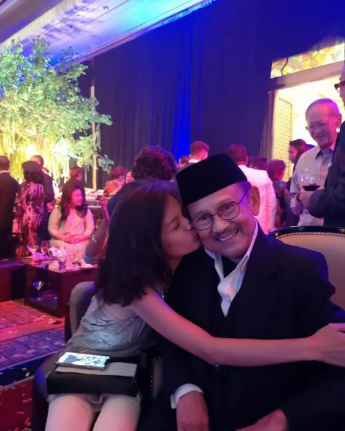 BJ Habibie dan cucu