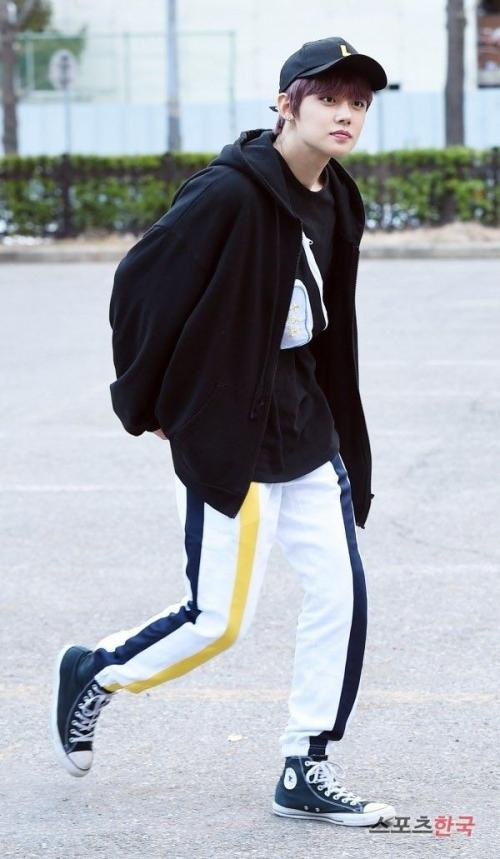 Yeounjun celana training