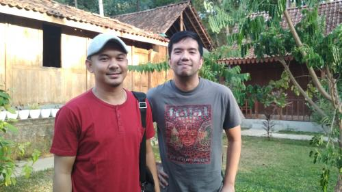 Personel Payung Teduh