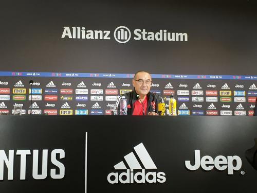 Maurizio Sarri (Foto: Twitter/@juventusfcen)