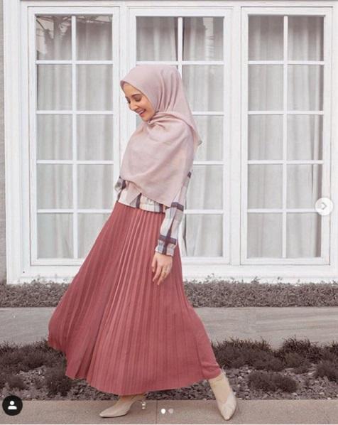 Rok plisket pink