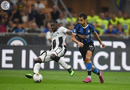 Antonio Candreva vs Udinese (Foto: Twitter/@Inter_en)