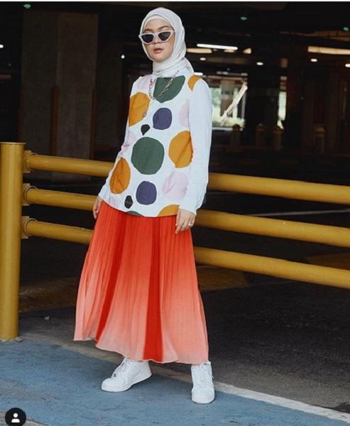 Rok plisket oranye
