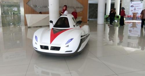 Mobil Listrik UMS (Foto: Bramantyo)