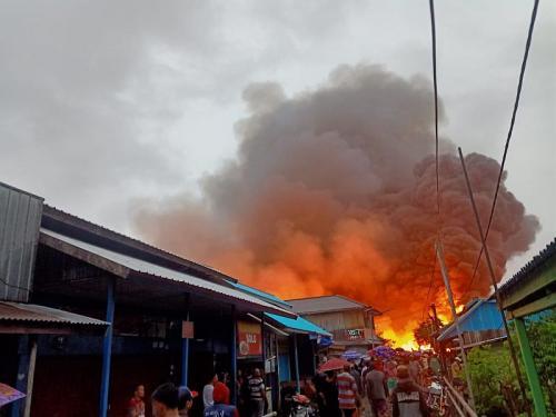 Kebakaran di Agats, Asmat, Papua (Foto: Humas Polda Papua)