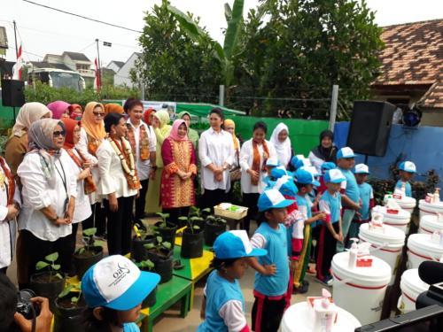 Iriana Jokowi di Palembang (Foto: Okezone/Melly)