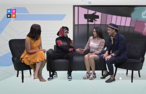 Bebby Fey saat dipertemukan dengan 'Atta Halilintar'. (Foto: YouTube/MOP Channel)