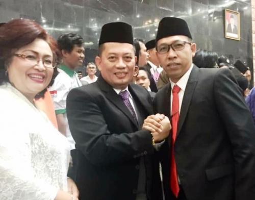 Kader Perindo Jonius Taripar Parsaoran Hutabar (tiga kiri) masuk DPRD Sumut. (Foto: Wahyudi Aulia Siregar/Okezone)