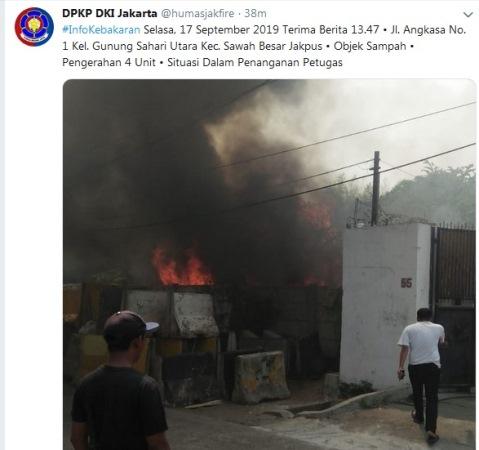 Kebakaran di Gunung Sahari Sawah Besar Jakpus. (Foto : Twitter/@humasjakfire)