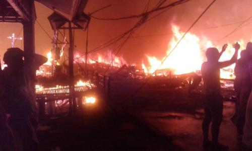 Kebakaran di Agats, Asmat, Papua (Foto: Istimewa)