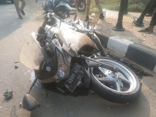 Pengendara motor kecelakaan di Tangsel