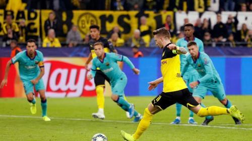 Borussia Dortmund sangat andal melukai lawan lewat serangan balik