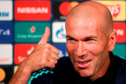 Zinedine Zidane memuji kinerja apik Karim Benzema (Foto: UEFA)