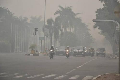 Ilustasi kabut asap di Sumatera