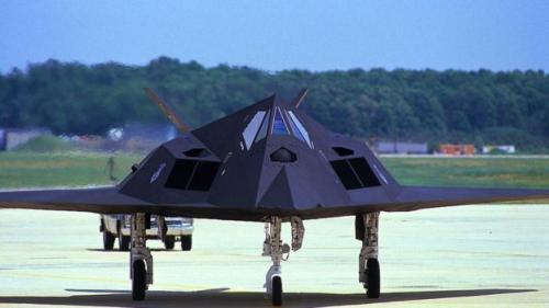 Pesawat tempur F-117 Stealth melakukan penerbangan perdananya dari Area 51 pada tahun 1981 (Getty Images BBC)