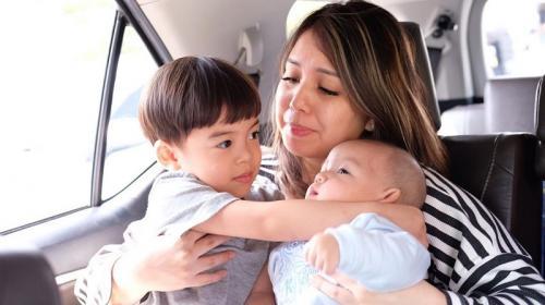 Tya Ariestya dan anak
