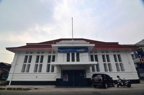 Kota tua Padang, Gedung Nederlandsch Indische Escompto Maatschappij. (Foto: Rus Akbar/Okezone)
