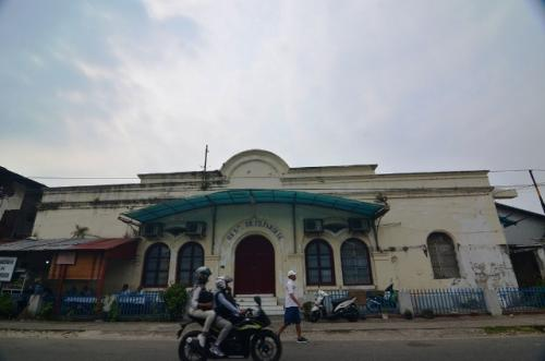 Kota tua Padang, Gedung Dr TD Pardede. (Foto: Rus Akbar/Okezone)