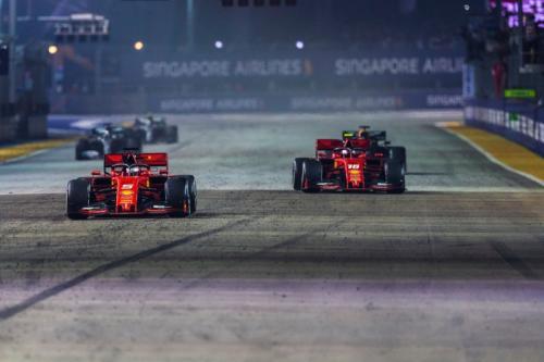Leclerc dan Vettel saling balapan di F1 2019