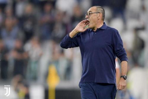 Sarri saat sedang mendampingin Juventus di pertandingan