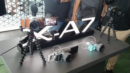 Fujifilm meluncurkan perangkat kamera terbaru dengan seri X-A7.