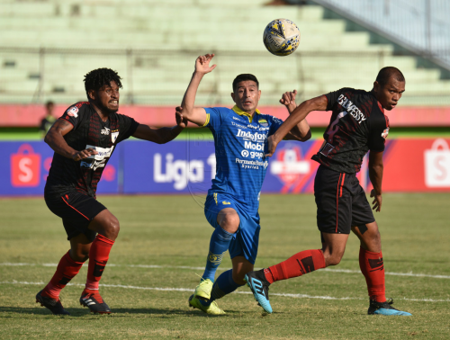 Persib Bandung tengah mendapat momentum bagus usai menang atas Persipura