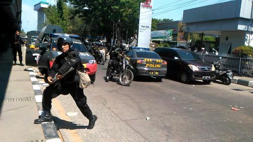 Demo Mahasiswa di Makassar Kembali Ricuh (foto: Okezone/Herman A)