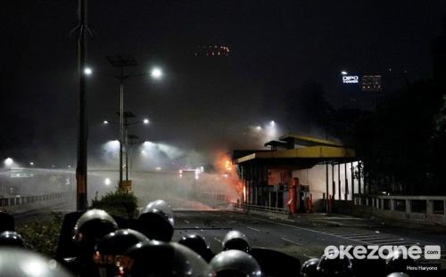 Gerbang tol di depan Gedung DPR (Foto: Okezone.com)