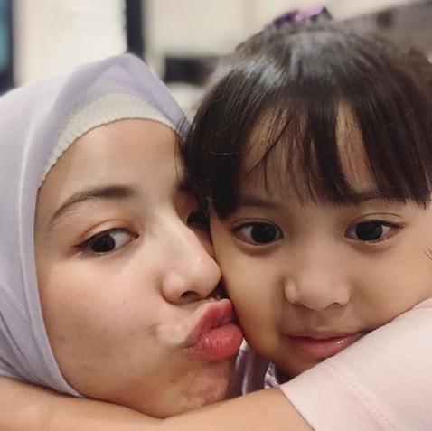 Natasha Rizky dan anak