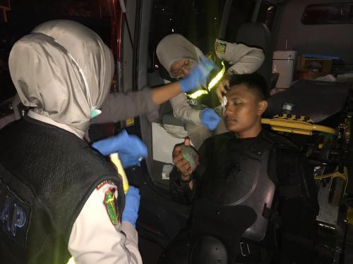 Polisi terluka