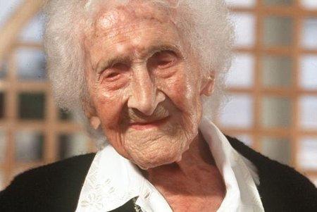 pada 1942 setelah keracunan ceri. Sejak saat itu ia memutuskan menjanda hingga akhir hayatnya.