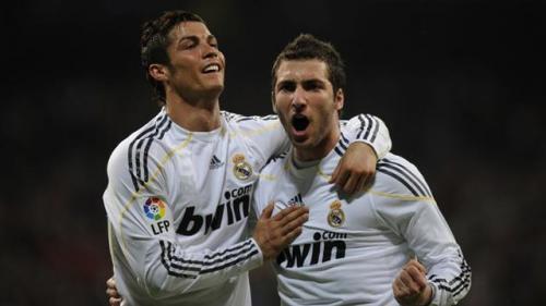 Cristiano Ronaldo dan Gonzalo Higuain