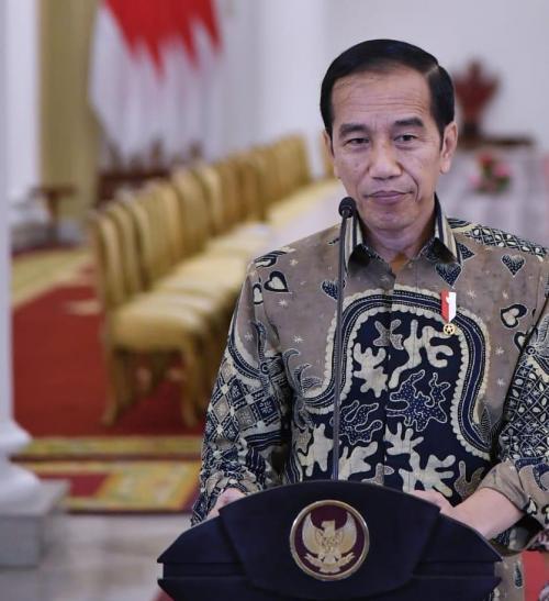Jokowi pakai batik