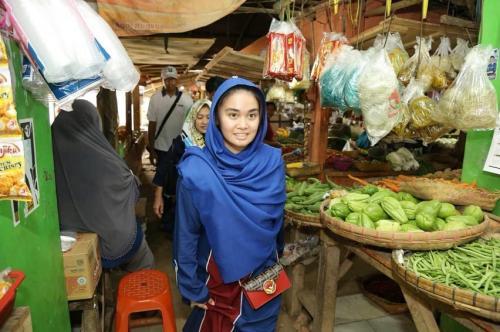 Perempuan di pasar
