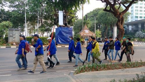 Massa mahasiswa dari sejumlah universitas hendak demo ke depan Gedung DPR/MPR, Jakarta, Selasa (1/10/2019). (Foto : Okezone.com/Muhamad Rizky)Massa mahasiswa dari sejumlah universitas hendak demo ke depan Gedung DPR/MPR, Jakarta, Selasa (1/10/2019). (Foto : Okezone.com/Muhamad Rizky)