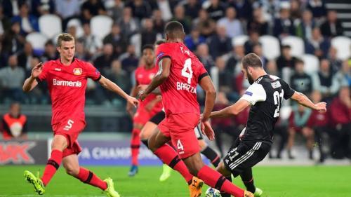 Gonzalo Higuain cetak gol ke gawang Leverkusen