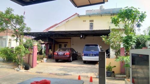 Rumah Laksamana Muda (Purn) Sony Santoso di Taman Royal 2 Cipondoh Tangerang. (Foto: Isty Maulidya/Okezone)