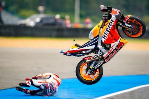 Marc Marquez mengalami kecelakaan parah di MotoGP Thailand 2019