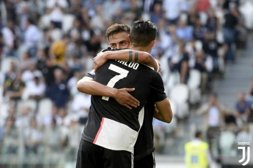 Paulo Dybala dan Cristiano Ronaldo