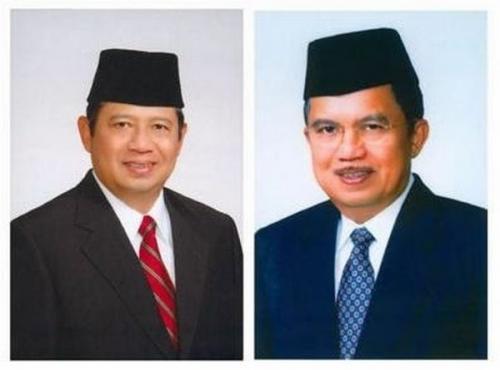 Susilo Bambang Yudhoyono (SBY)- Jusuf Kalla (JK) Terpilih Sebagai Presiden Usai Pemilu 2004 (foto: Wikipedia)