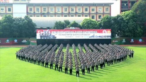 Kapolri dan jajaran mengucapkan selamat HUT ke-74 TNI. (Foto: Puteranegara Batubara/Okezone)