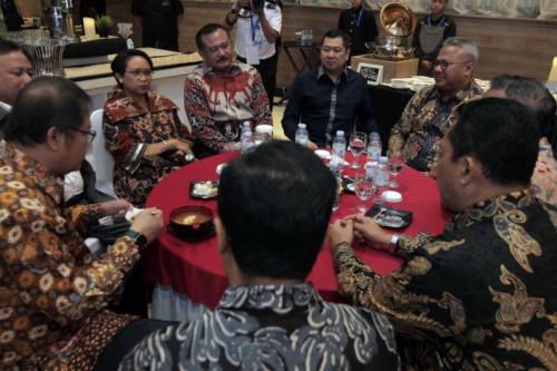 Hary Tanoesoedibjo Bersama Para Nominator Indonesia Award 2019 (foto: Ist)