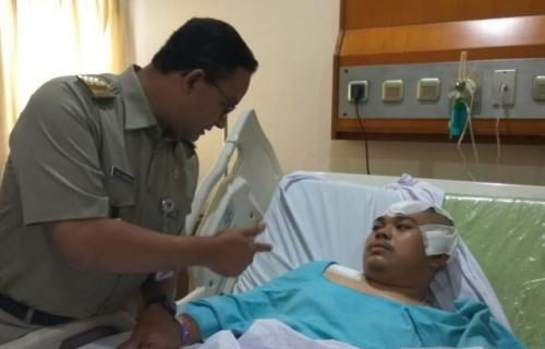 Faisal Amir saat dijenguk Gubernur DKI Jakarta Anies Baswedan