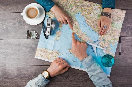 Map di atas meja