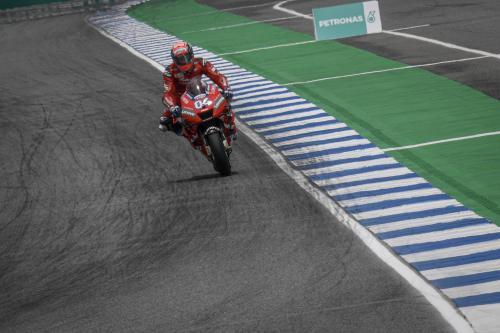 Andrea Dovizioso saat tampil dalam sebuah balapan di MotoGP 2019